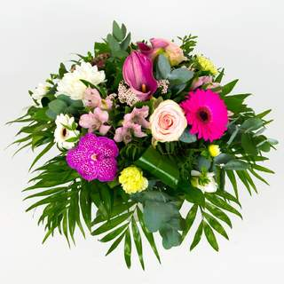 DOUCEUR -Bouquet rond de fleurs de saison (rose & blanc)